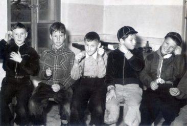 11.11.1954 vlnr. Jimmy, Thomas Basler, Kurt Jufer, Hansruedi Wilk, Hansjörg Würmli