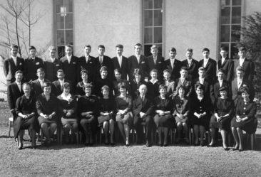 Jg 45 Konf. mit Pfarrer ? Ölhafen 26.3.1961