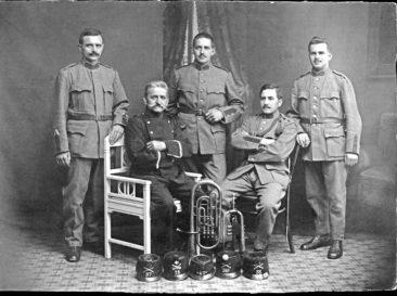 Samuel Häusermann-Widmer mit seinen Söhnen Karl, Willi, Ferdinand, Emil