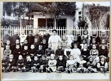 Jg 01-03 1-3.Klasse Lehrerin Marie Wildi 1910