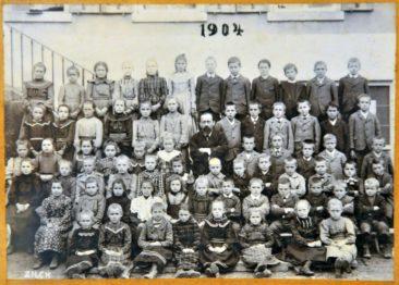 Jg 1893-1895 3.-5.Klasse Lehrer Otto Reck