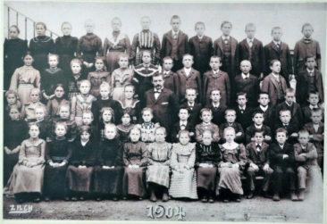 Jg 1892-1894 6.-8.Klasse Lehrer Emil Stocker