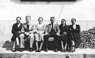 Fam. Kull-Richner 1940 (vlnr) Emmi, Fritz, Anna Hulda, Fritz, Marti, Hulda