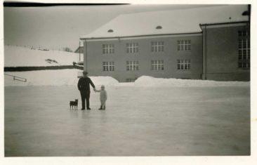 Eisbahn um 1930  Fotovon von Karl Kull (Sämischügu)
