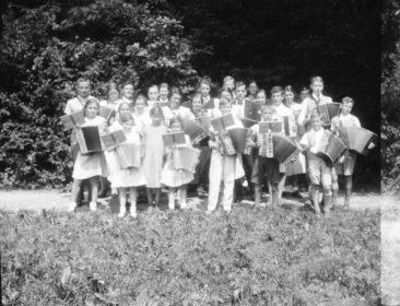 "Handörgeli-Club ""Vergissmeinnicht"" um 1936"