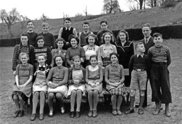 Jg 32-34  1.-3.Sek  Lehrer Willi Basler   1947