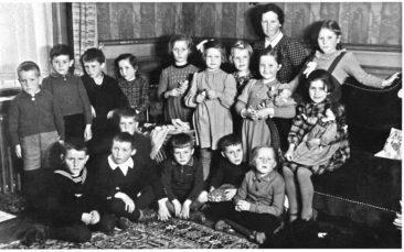 Jg 36 zuhause bei Tante Margrit in Aarau am 7.April 1943