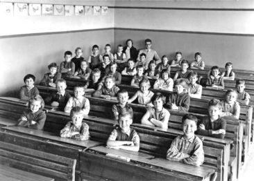 Jg 46  3.Klasse Lehrer Jean Jacques Meyer  Oktober 1955