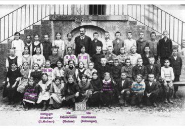 Jg 07 5.Klasse Lehrer Emil Stocker  1918