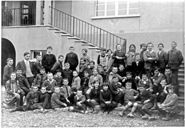 Jg 16 + 17  Lehrer Hans Joho  1928
