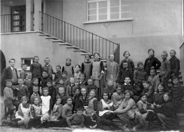 Jg 18 - 20  Lehrer Walter Fischer  1928