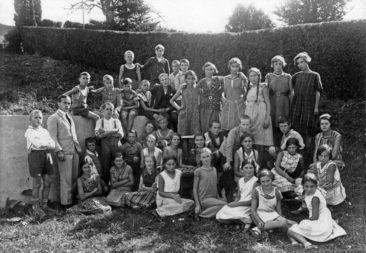 Jg 19 + 20  Lehrer Hans Joho  1932