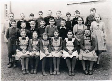 Jg 39  5.Klasse  Lehrer Hans Bertschi   1950