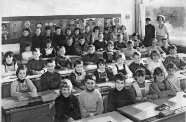 Jg 58+59 2+3.Klasse Lehrerin Frl. Maja Barth und Jolanda Rudolf  1966