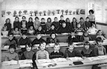 Jg 60 2.Klasse Lehrerin (noch unbekannt) 1968