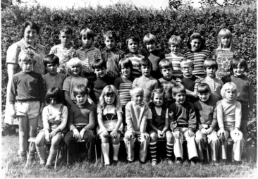 Jg 68 mit Schwester Margrit 1974