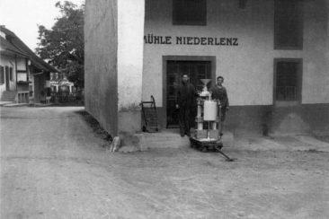 Mitarbeiter der Mühle um 1918