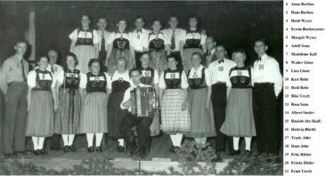 Trachtengruppe im Sonnensaal 1953