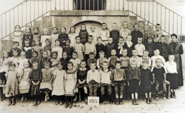 Jg 1906-08 1.-3.Klasse  Lehrerin Marie Wildi