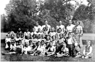 Jg 36 Schulreise 1. Kl. 1943 Heimwehfluh-Roggehusetäli
