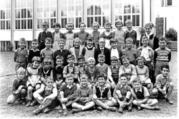 Jg 47  2.Klasse  Lehrerin Frl. Susi Mauch   1955